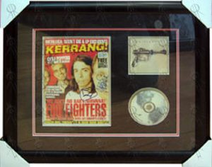 FOO FIGHTERS - 'Kerrang!' Magazine Feat. Foo Fighters On Cover Fully Signed! - 1